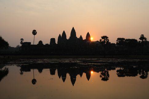 Angkor Wat sun02