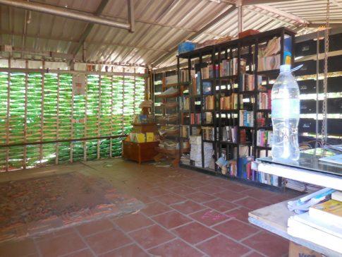 作りかけの図書館